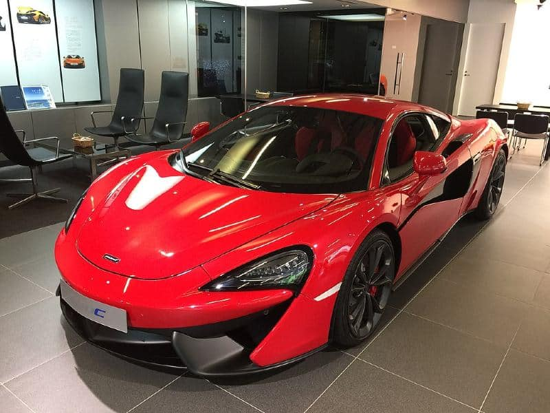 Can you daily drive a mclaren?