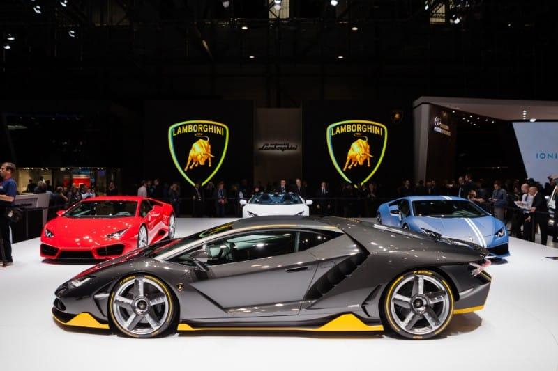 How do Lamborghini advertise?