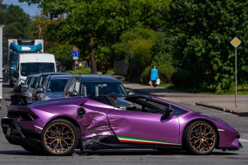 Crashed Lambo: Why do supercars lose control